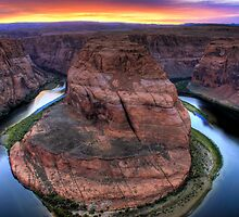 Horsehoe Bend II, Glen Canyon, Arizona by Tomas Abreu
