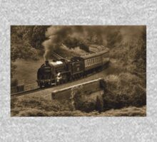 Southern 825 Locomotive (Sepia) Kids Tee