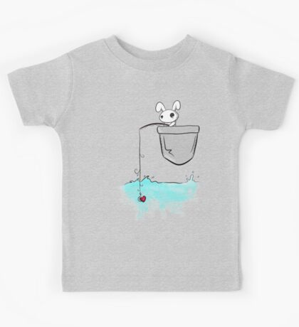 Fishing love... Kids Tee