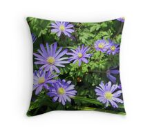 Anemone blanda Throw Pillow