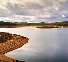 Dramatic sky over Canning Dam by autumnleaf