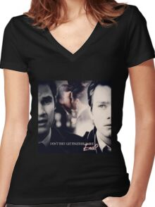 Glee: Don't They Get Together In The End? Women's Fitted V-Neck T-Shirt