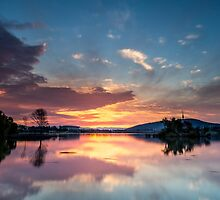 Sunset over lake in Canberra by glennsphotos