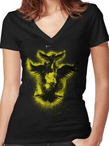 Grun Women's Fitted V-Neck T-Shirt