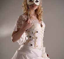Mask and wedding dress by Sandra Kemppainen