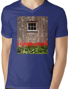 Red Tulips & Barn Mens V-Neck T-Shirt