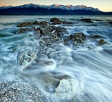 Kaikoura on Ice by Ken Wright