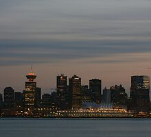 Vancouver downtown in the evening by xiaotomjm