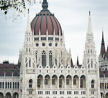 Budapest by Claraveritas