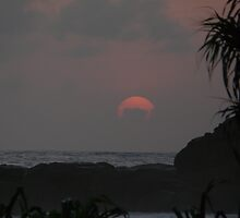 Sunset 2 at Heritance Hotel, Ahungalla, Sri Lanka by neil mcwhinnie