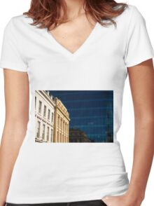 Contrasting Reflection Women's Fitted V-Neck T-Shirt