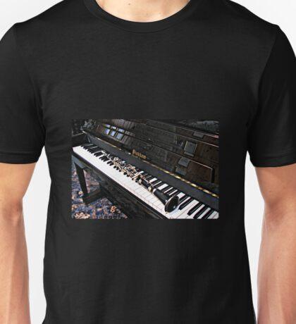 Black Beauty - Clarinet on Piano Keyboard Unisex T-Shirt