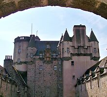 Castle Fraser by Larissa  White Edwards