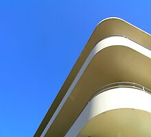 Streamline Moderne by Christopher Biggs