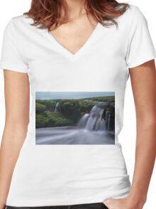London Bridge Portsea - incoming tide  Women's Fitted V-Neck T-Shirt