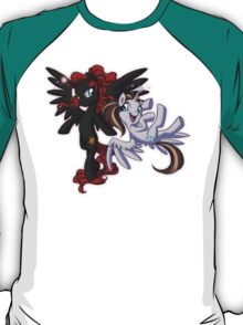 Mad T Ponies - Red Queen and White Queen T-Shirt