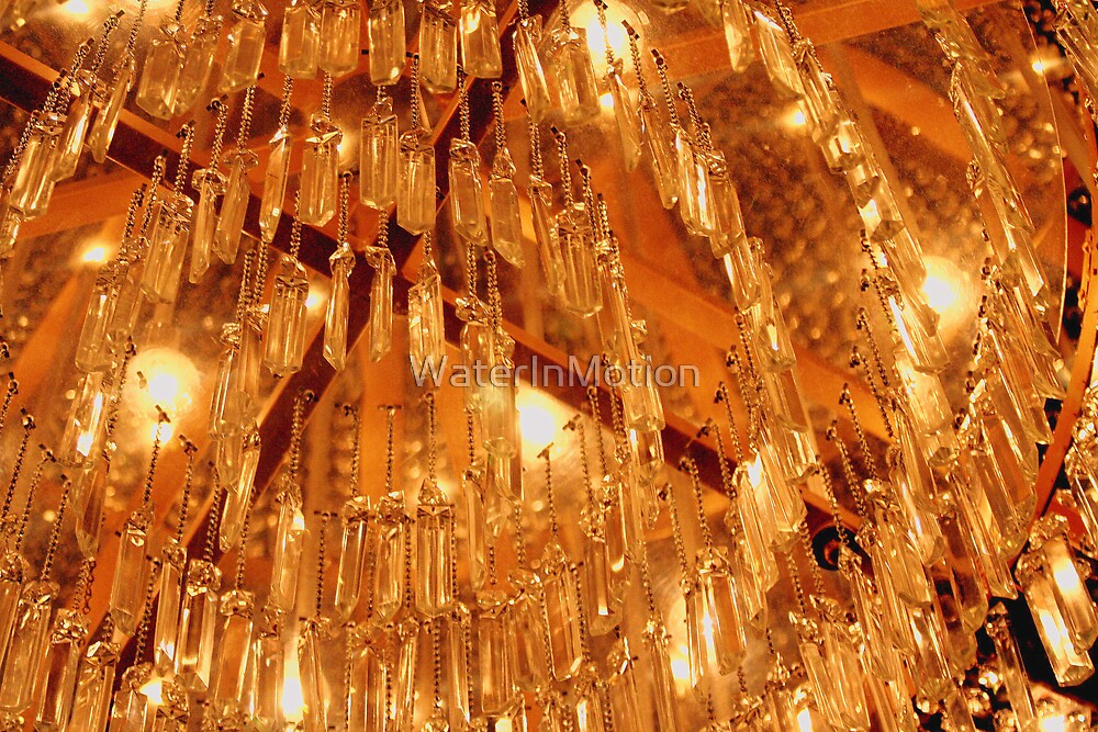 Monte Carlo Chandelier #02 by WaterInMotion