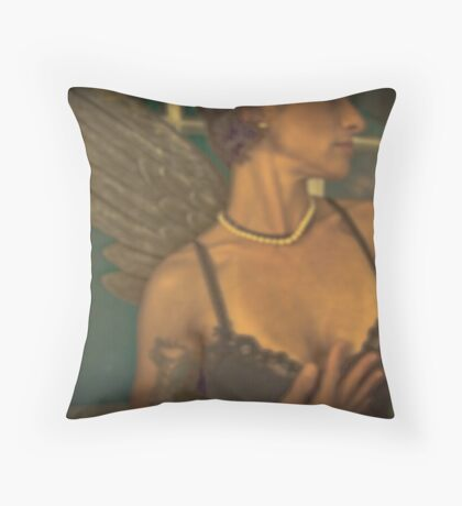 HYMNE A LA BEAUTE Throw Pillow