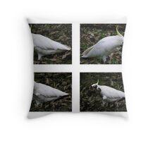 Birdie dance Throw Pillow