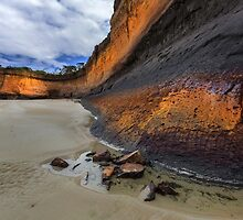 Low tide at Demons Bluff - Anglesea by Hans Kawitzki