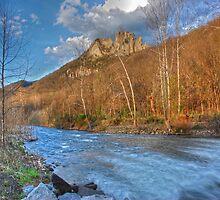 Seneca Rocks  by Jason Vickers