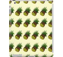 Tutti Frutti Pineapples. iPad Case/Skin