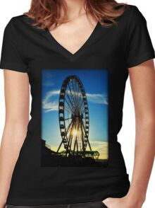 Seattle Great Wheel Women's Fitted V-Neck T-Shirt