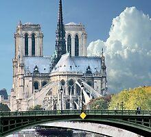 Cathedrale Notre Dame de Paris by phil decocco