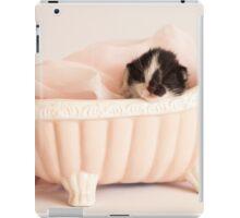 Mewborn in Tub iPad Case/Skin