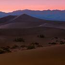 Sunset near Stovepipe Wells, CA by MattGranz