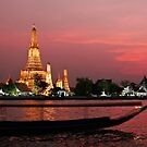 Wat Arun (The Temple Of Dawn) by Dave Lloyd