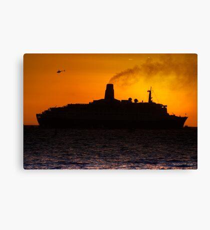 QE2 Sunset Canvas Print