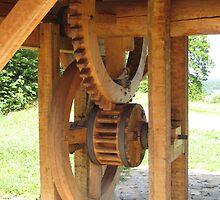 wooden well wheel by Kadava