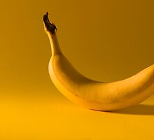 Banana by Bruno Reis
