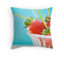 juicy berries Throw Pillow