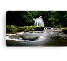 West Burton, Yorkshire Dales Canvas Print