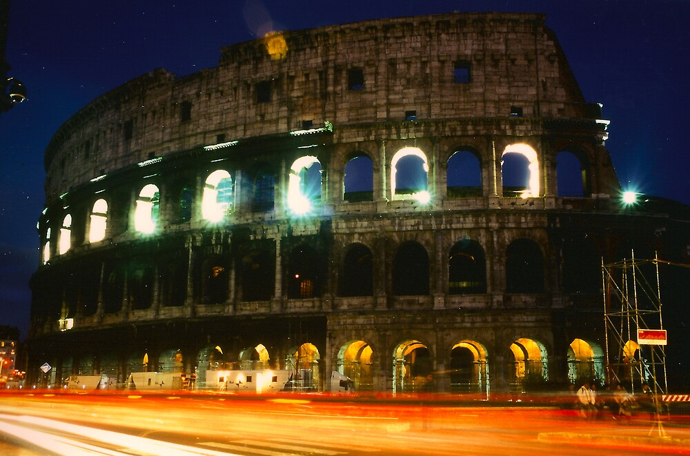 Colosseo di Notte by Matt Bishop