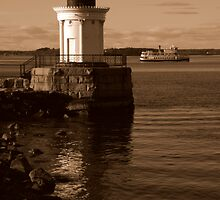 Portland Breakwater (Bug) Light by artisandelimage