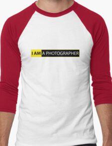 I AM A PHOTOGRAPHER Men's Baseball ¾ T-Shirt