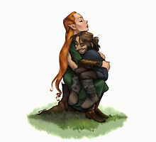 Kiliel: Tauriel and Kili from the Hobbit on a Tree Stump Unisex T-Shirt