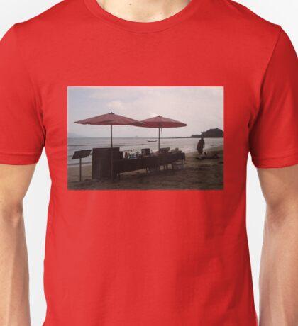A BEACH Beach BAR Unisex T-Shirt