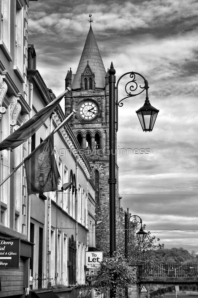 Shipquay Street, Derry  2.18 pm by Agnes McGuinness