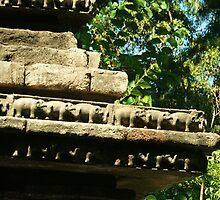 Elephant carving by helenrose