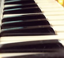 Piano keys by SIR13