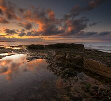 SUNSET AT SEATON SLUICE by STEVE  BOOTE