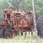 Vintage Tractor by TxGimGim