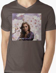 Lydia Martin Into The Woods Mens V-Neck T-Shirt