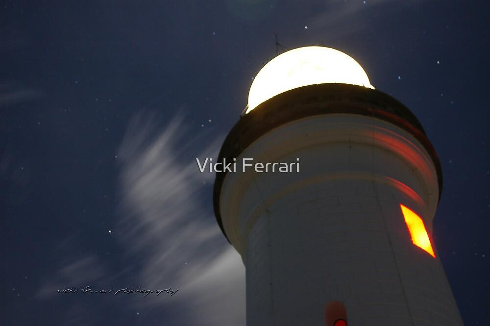Byron Bay Moon © Vicki Ferrari Photography by Vicki Ferrari