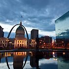 Gateway arch and The Courthouse building at dawn in St. Louis by Sven Brogren