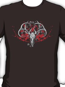 black and white deer skull with horns in graphic T-Shirt